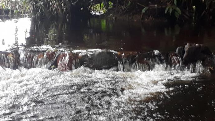 Córrego Tira Ressaca